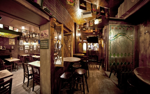 McKibbins Irish Pub: Montreal's original Pub & Bar  | McKibbin's Happy Hour! | McKibbins Irish Pub is the Montreal Irish Pub & Bar. The best bar & pub food in the Montreal area with an irish twist, live bands & over 24 beers on tap.